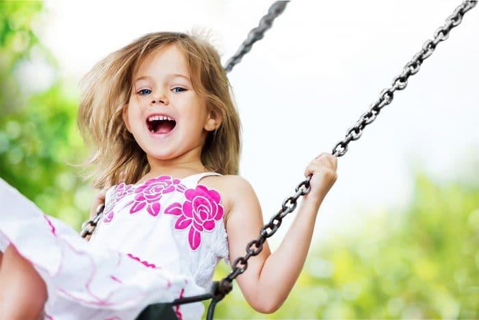 Beneficios jugar parque infantiles