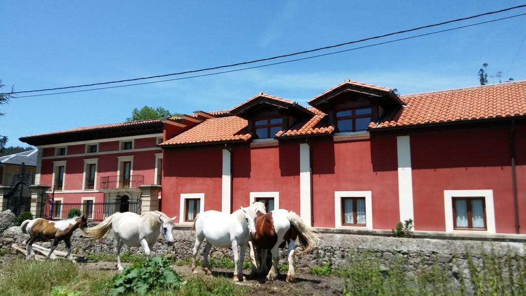 Hotel rural Posada Santa Eulalia, en Villanueva de la Peña, Cantabria