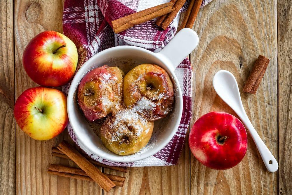 Manzanas asadas al horno: Una deliciosa receta tradicional