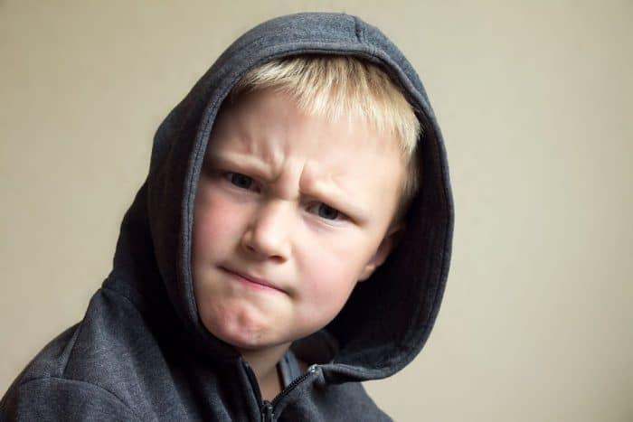 Niño se enfada