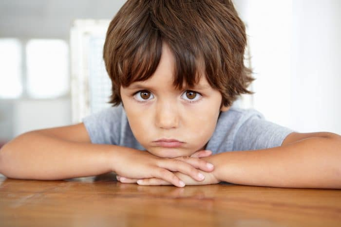 niño afrontar pérdidas emocionales