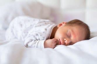 sueño recién nacido