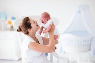 No debes dejar que tu bebé llore