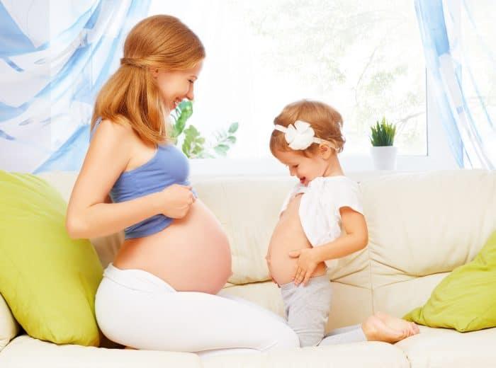 Preparar a un hijo para la llegada del hermanito