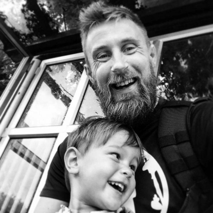 Richard Pringle y su hijo fallecidoHughie 2
