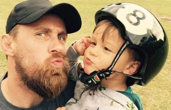 Richard Pringle y su hijo fallecidoHughie