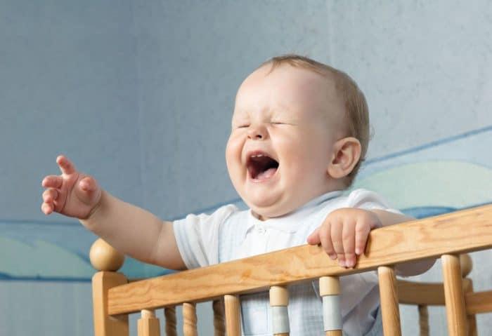 Riesgos de dejar que tu bebé llore