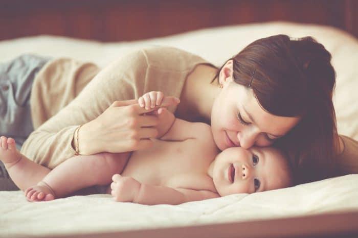 cambiamos tono voz cuando hablamos bebes