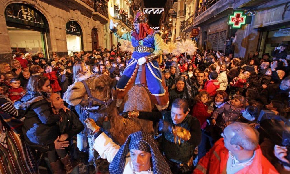Cabalgata Reyes Magos Navidad Alcoy Valencia