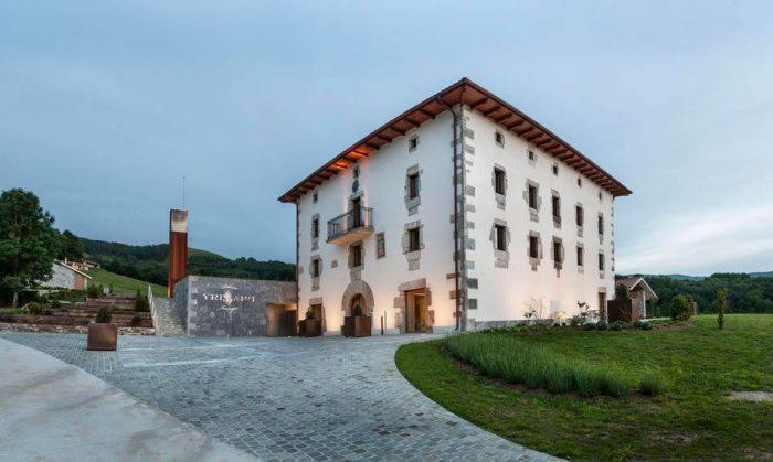 Hotel Palacio de Yrisarri, en Igantzi, Navarra