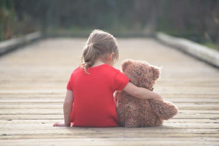 Niños con dificultades para hacer amigos