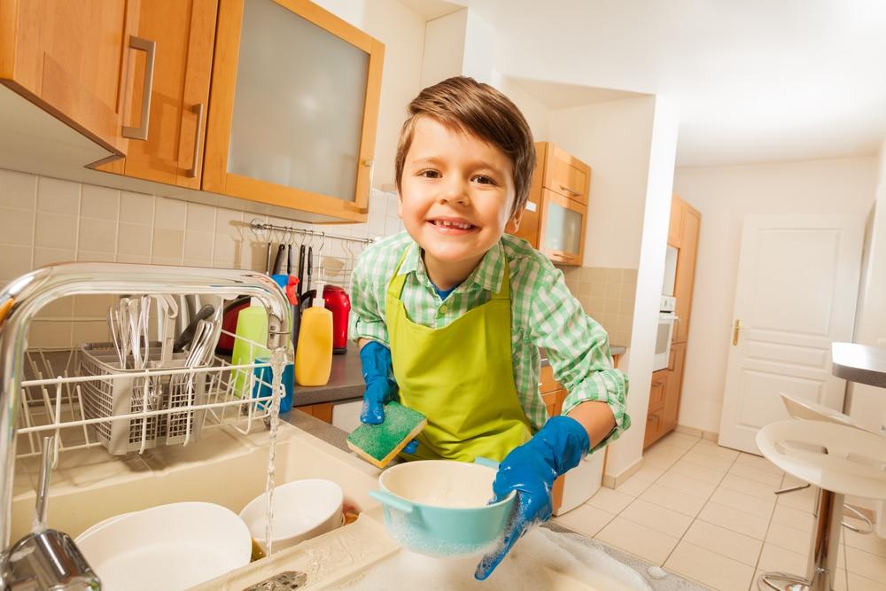 Tareas para promover la autonomía infantil en el hogar siguiendo el método Montessori