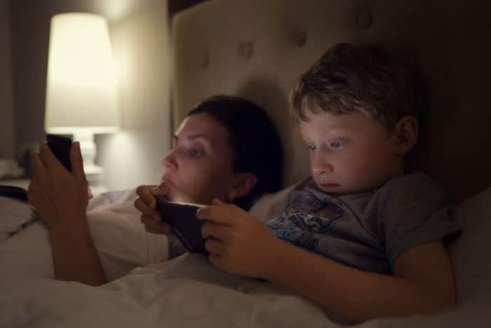 problema padres hijossmartphones