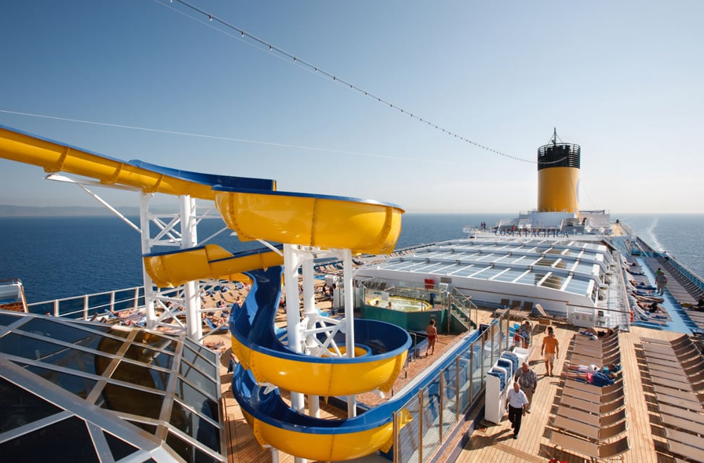 Costa Cruceros piscina exterior