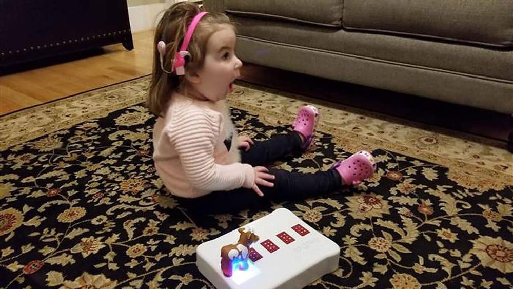 Papa inventa juguete Braille