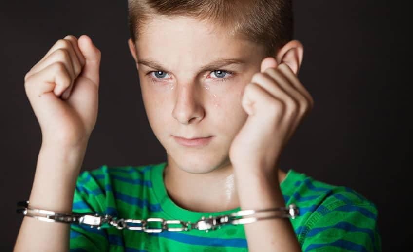 niños piensan en sexo y violencia en lugar de en jugar