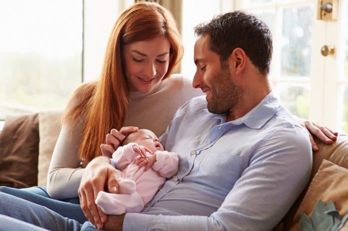 Siestas bebés en brazos