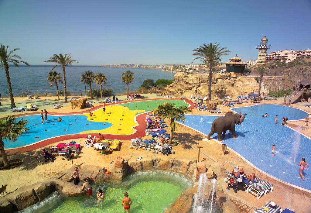 Hotel Holiday World Resort, en Benalmádena