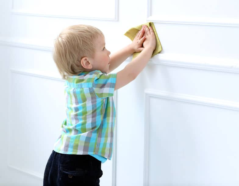 niños tareas domésticas