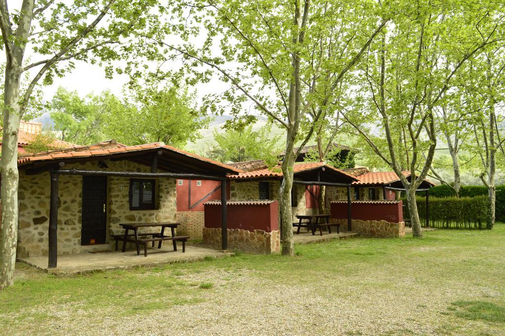 Camping rural El Pinajarro, en Hervás, Cáceres