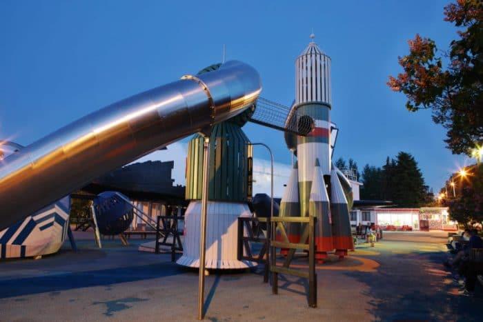 Parque infantil danes Cosmos 2