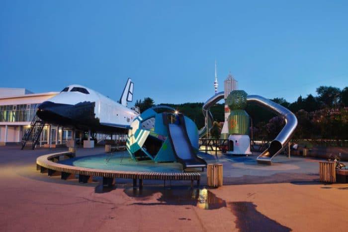 Parque infantil danes Cosmos 3