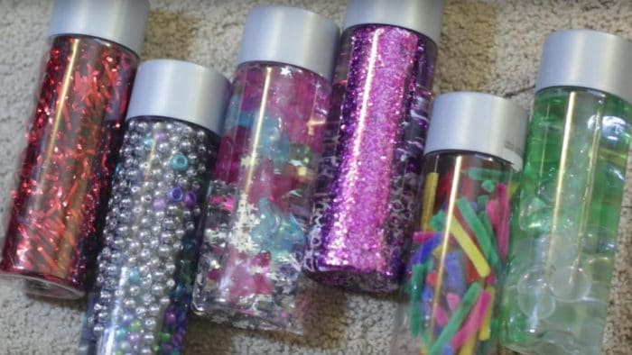 Botellas sensoriales objetos bolas estaticas