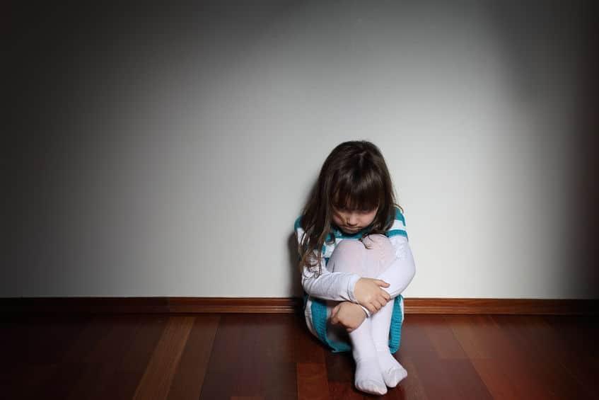 maltrato infantil autismo