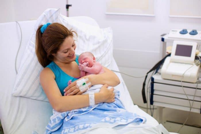 visitas en el hospital tras el parto