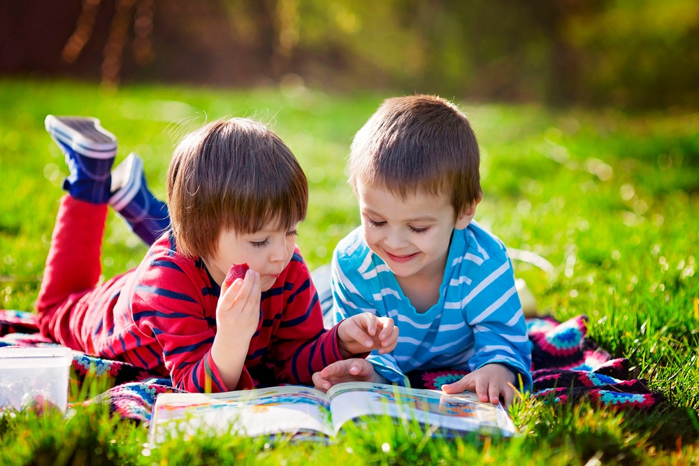 Motivar a un niño a leer solo