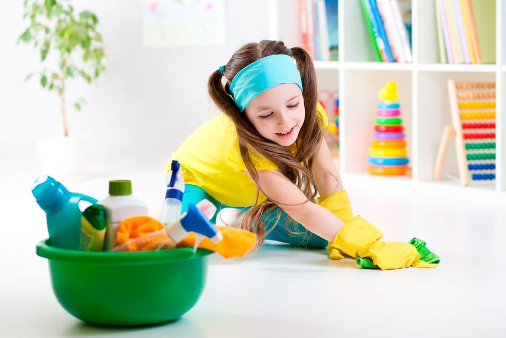 Las hijas hacen más tareas domésticas que los hijos