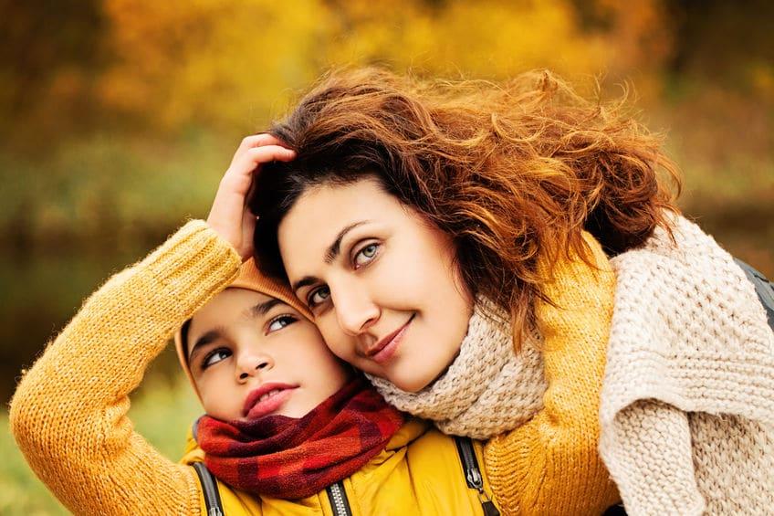 Madre de niño con necesidades especiales