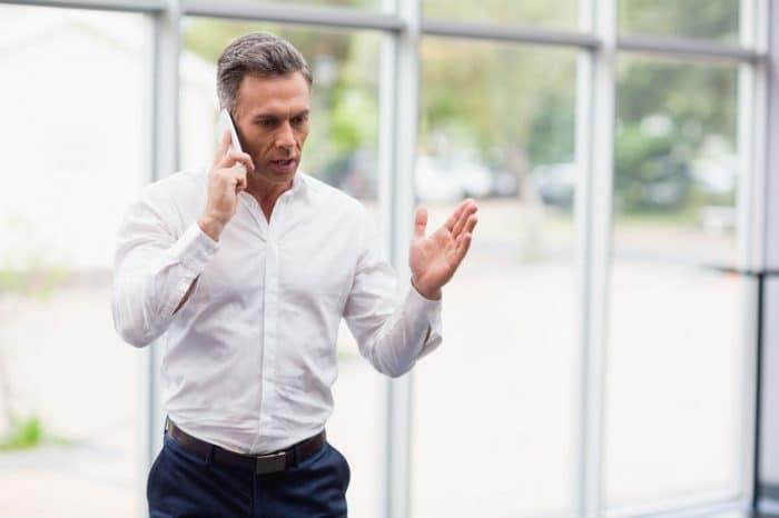 ¿Es buena idea que llames a los padres del acosador de tu hijo?