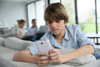 Adolescentes y teléfonos