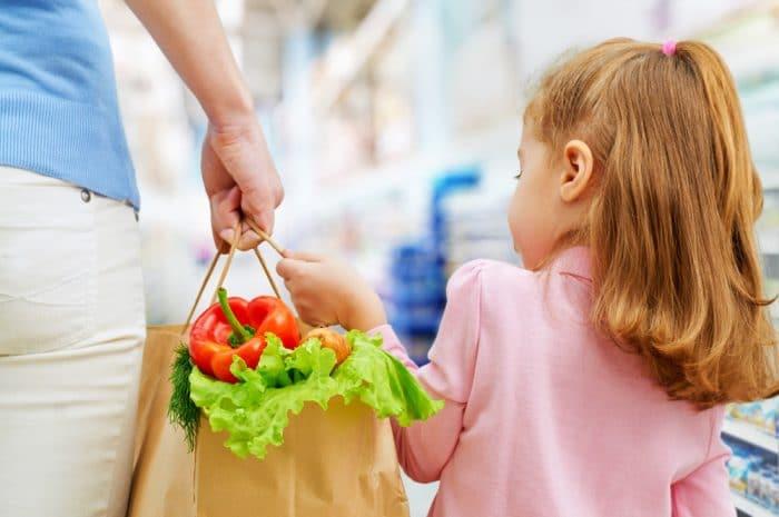 Ir a comprar con tus hijos