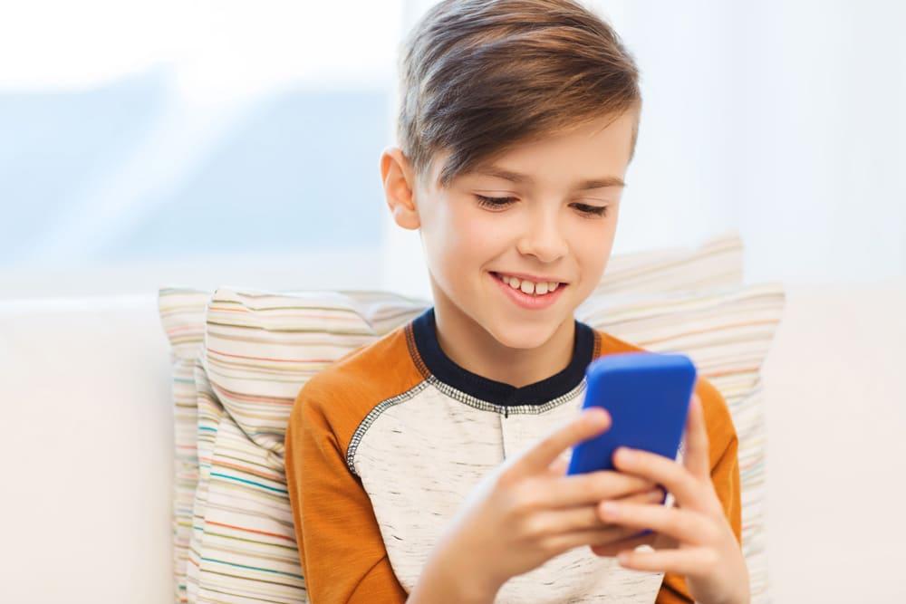 Si tu hijo quiere un móvil, sigue el ejemplo de esta madre…