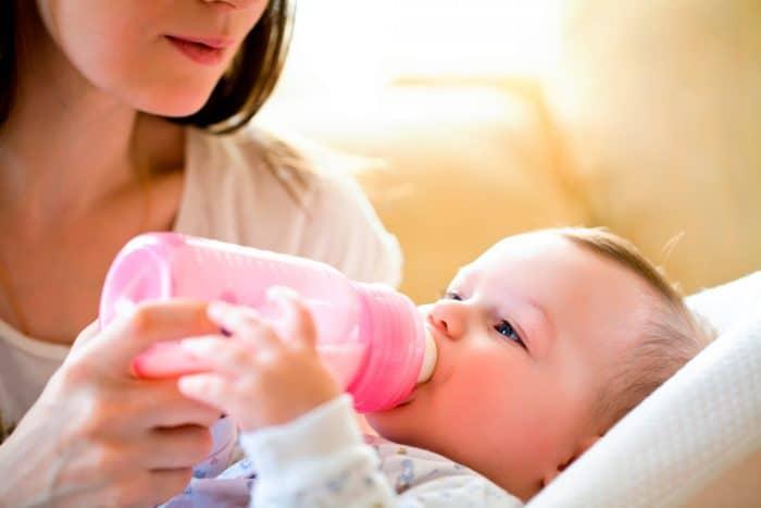 Cantidad leche biberon bebé
