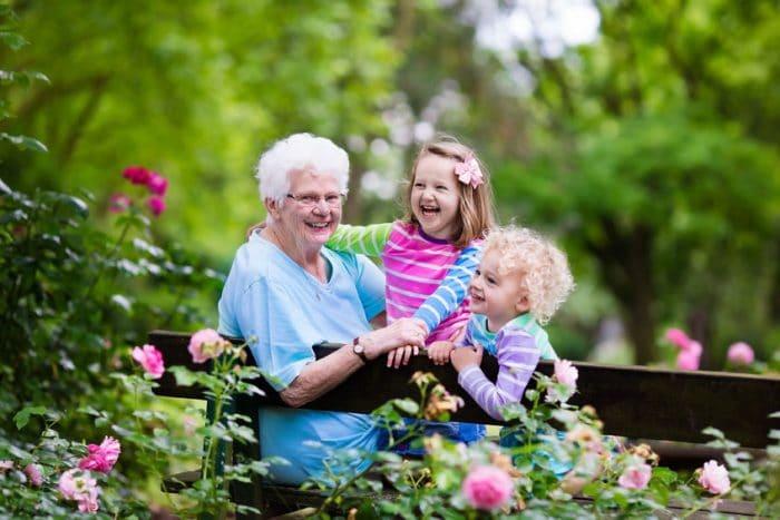 hijos cuidar nietos