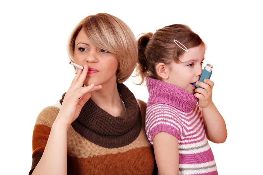 niños hogares fumadores