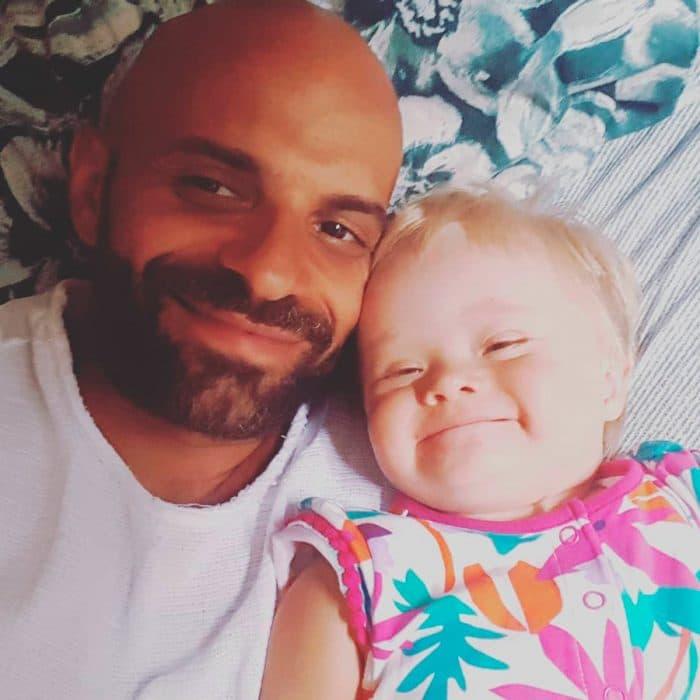Luca adopta bebé Síndrome de Down 5