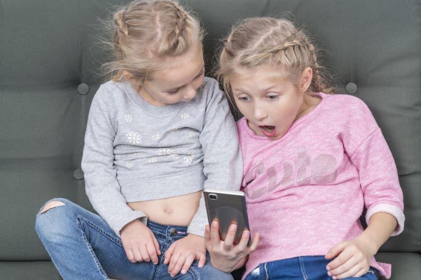 ¿Tus hijos podrían estar viendo pornografía en el móvil?