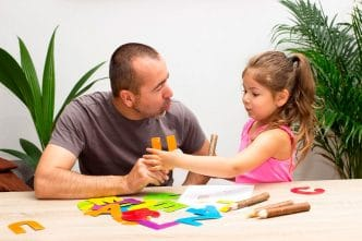 Enseñar adjetivos a niños