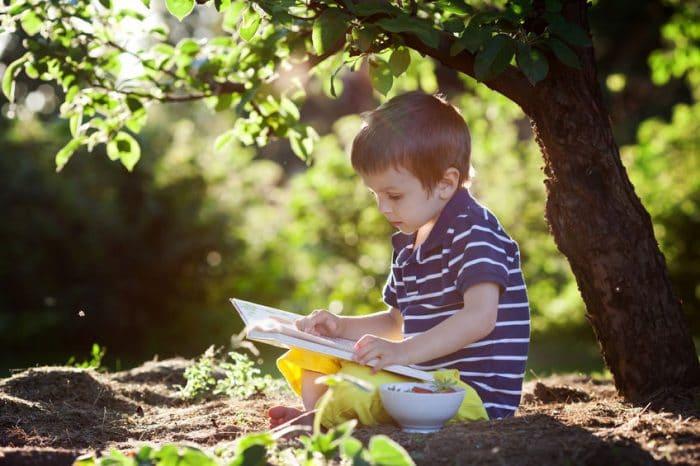 Empezar a leer y escribir antes de los 6 años