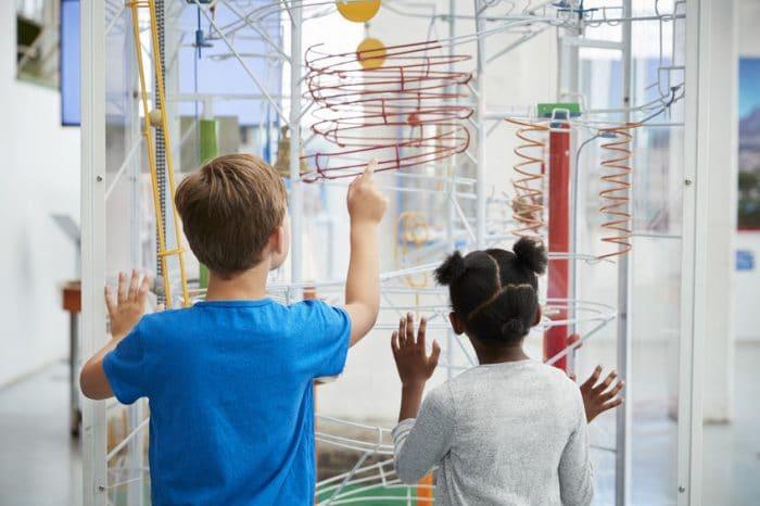 Celebrar cumpleaños infantil en un museo