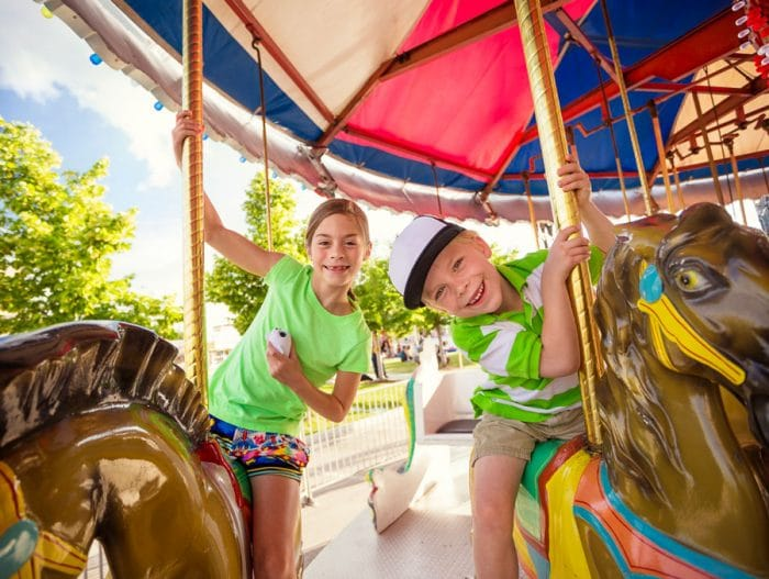 Organizar fiesta de cumpleaños infantil en un parque de atracciones