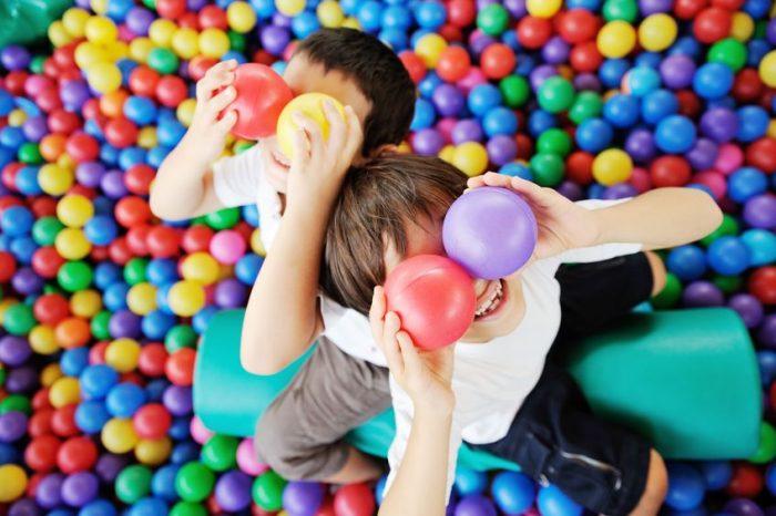 Piscinas de bolas bacterias
