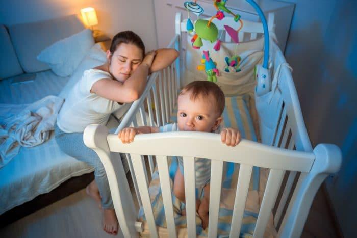 Dormir cerca madre hasta 3 años