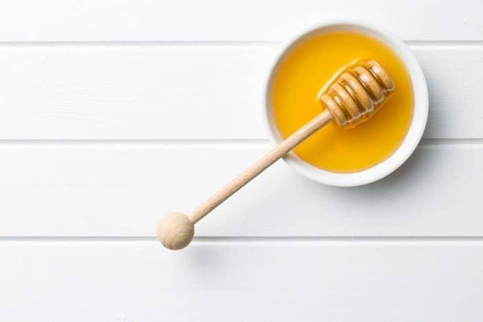 bebé miel muere