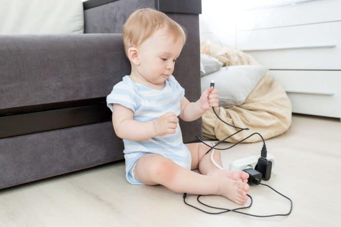 cables peligrosos bebés