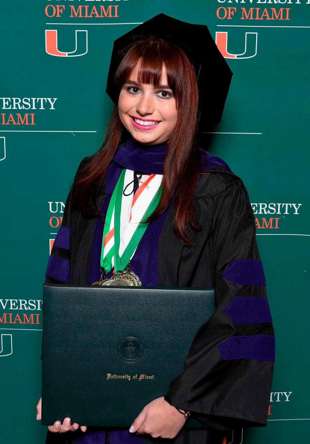 Haley Moss Graduada abogada autismo
